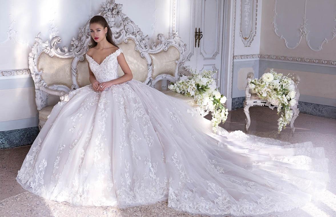 368fb56f45 Veronica Lang Esküvői Ruhaszalon